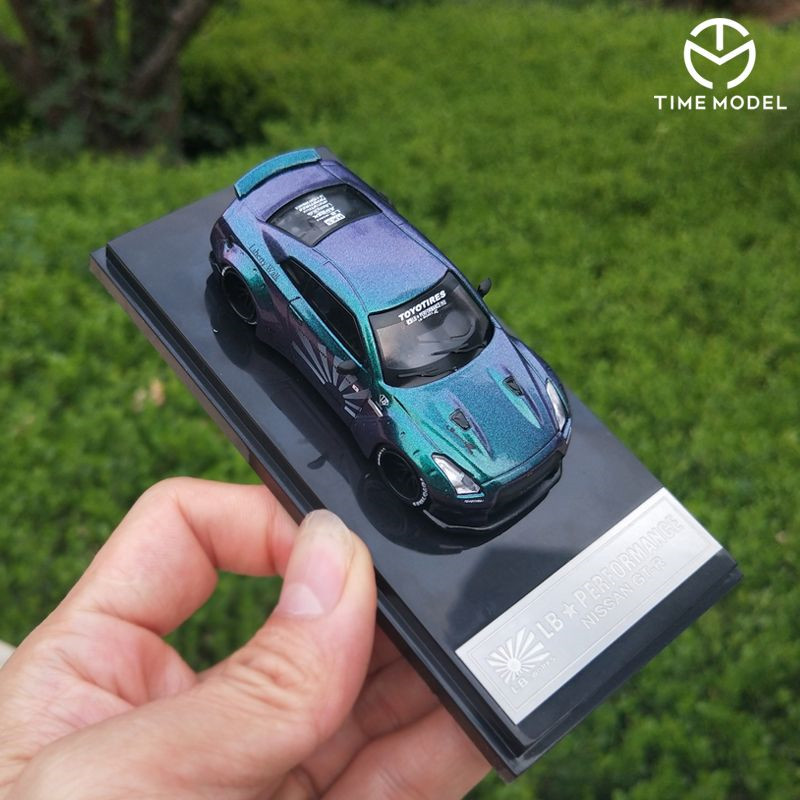 Time Model 1/64 Nissan GTR R35 Skyline Super GT Car Chameleon Diecast Toy 1:64 Super Model Car Vehicle With Case