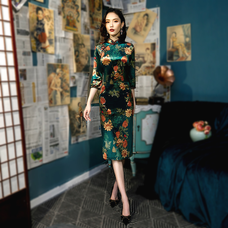 Sheng Coco 5XL 4XL Plus Size Classic Cheongsam Long Sleeve Dress Woman Knee Length Green Printing Qipao Velvet Retro Qipao