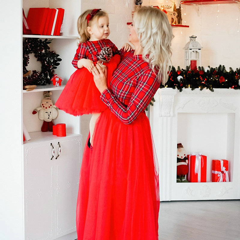 Christmas Family Matching Mother Daughter Striped Red Mesh Dresses New Year Party Mommy And Me Look Long Sleeve Wedding Dresses
