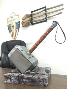 [Metal Made] Collection 1:1 Cosplay The Thor hammer mjolnir toy adult costume party metal hammer base stand model
