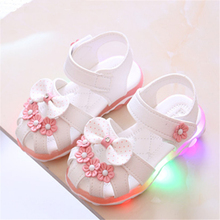 New Fashion high quality children casual shoes hot sales summer beach LED lighted girls boys sandal shoes cute kids sneakers 2020 hot sales fashion baby casual shoes led lighted sneakers baby classic soft high quality baby girls boys infant tennis