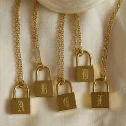 Tarnish Free Stainless Steel O-Chain Old English Gold Plated Personalised Lock Necklace Women's Birthday Gift Letter Necklace