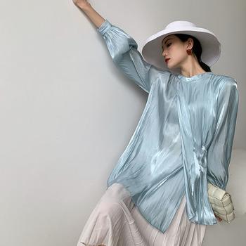 Barwa niebieska satynowy rękaw bluzka kobiety 2021 wiosna jesień asymetria panie stójka Ruched topy modne koreańskie ubrania tanie i dobre opinie YSBFALNZ guzik CN (pochodzenie) Rękaw z bufkami POLIESTER Stałe Na co dzień REGULAR STAND SHORT BLUZKI Zestaw jednoczęściowy