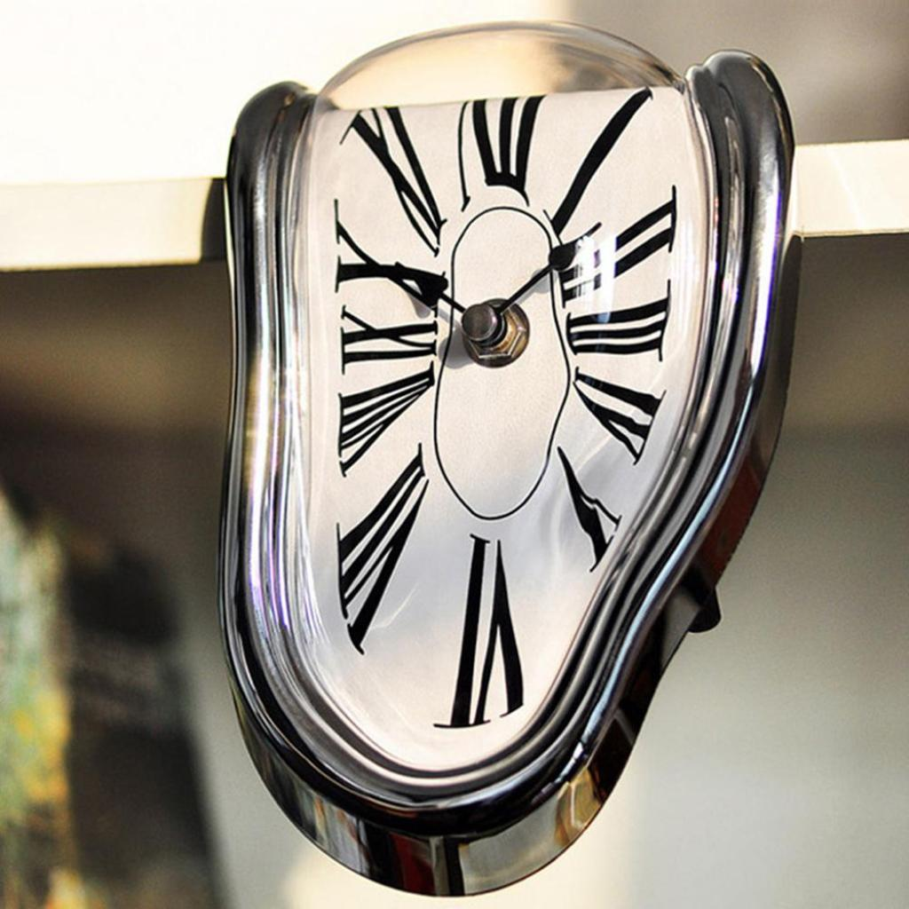 Retro Novelty Innovation Twisted Alien Interesting Novel Melting Table Hanging Roman Numerals  Ornaments Personality Clock