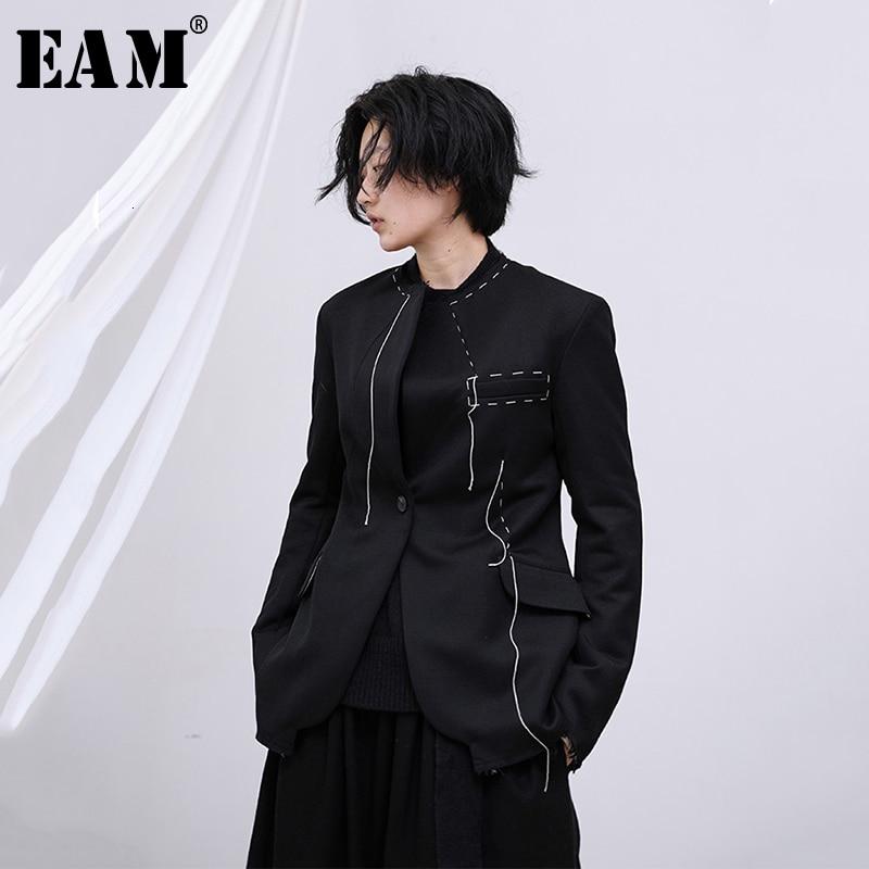 [EAM] Loose Fit Black Line Split Joint Short Jacket New Lapel Long Sleeve Women Coat Fashion Tide Spring Autumn 2020 1M749
