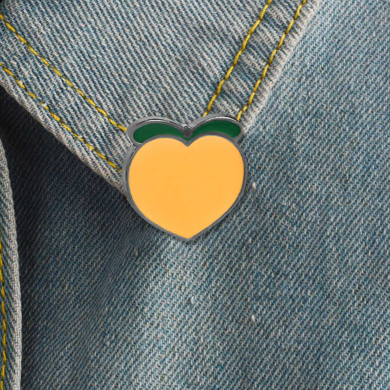 Buah Persik Segar Lemon Pisang Keras Enamel Tanaman Buah Kaktus Gunung Perjalanan Petualangan Bros untuk Wanita Pria Lencana Koleksi