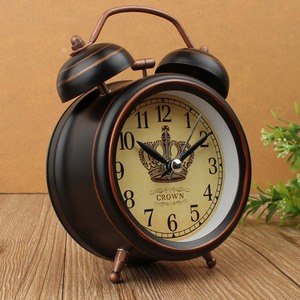 Vintage Night Light Alarm Clock European Retro Metal Alarm Clock Bedside Mute Needle Table Clock Gets bed Ringing Bell