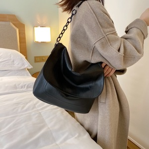 Image 2 - Bolsa feminina de couro sintético, corrente de ombro cor sólida, preta, de viagem, para mulheres, simples, elegante, 2019