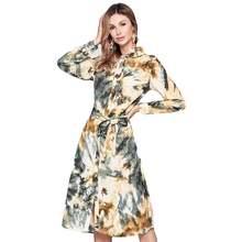 Платье с длинным рукавом и поясом цифровым принтом