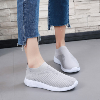 Women's Outdoor Mesh Shoes Casual Non-slip Comfortable Flat Running Sneaker Cover Penetrating Low-top Shoes 1