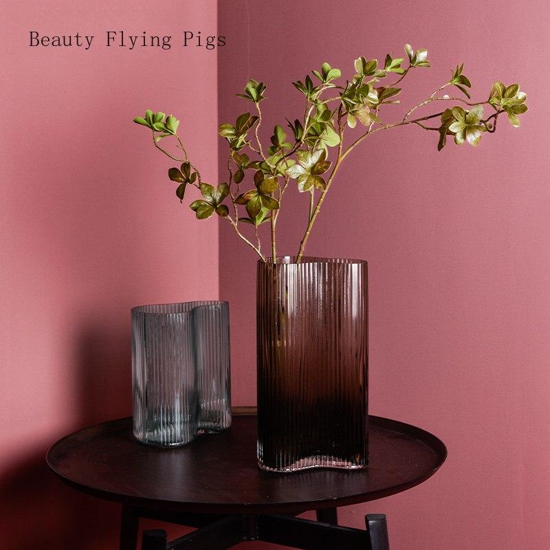Moderne irrégulière verre transparent vase rayures verticales eau culture fleur arrangement salon design art décoration