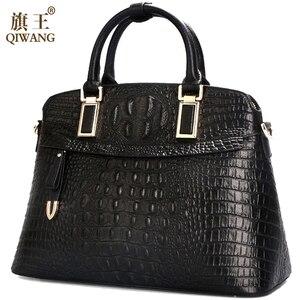 Image 2 - Bolso pequeño de piel de cocodrilo para mujer 2019 Qiwang bolso de mano de lujo de diseñador para mujer 100% bolsos de hombro de piel auténtica para mujer