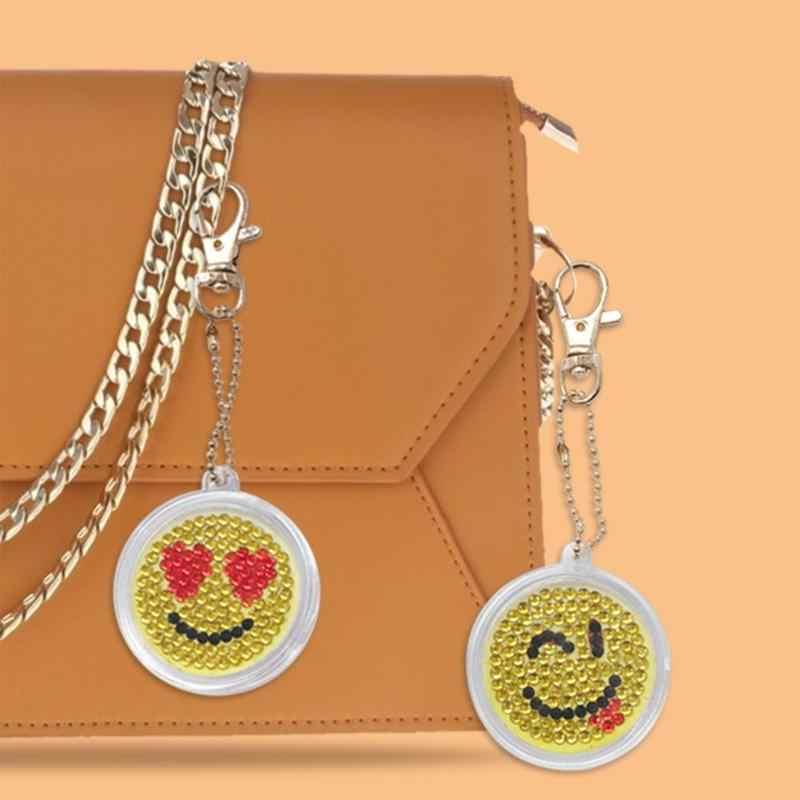 5 Pcs/set DIY Gantungan Kunci Penuh Bor Diamond Lukisan Senyum Kartun Emosi Gantungan Kunci Gantungan Gantungan Kunci Tas Dekorasi 2019