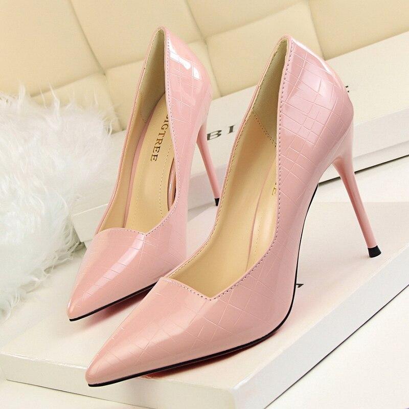Élégant rétro talons hauts femmes talons minces pompes femmes chaussures peu profonde bout pointu miroir club chaussures de fête talon femme sexy