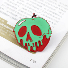 Fashion Skull Enamel Metal Brooches Snow White Poison Apple Brooch Skeleton Pins Pin Badge Jewelry Gifts dropshipping gothic skull skeleton brooches metal pin button badges enamel hand women sweater kiss brooch black pins halloween jewelry gifts