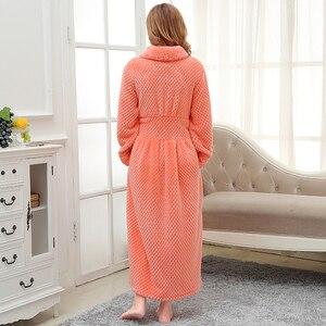 Image 2 - 女性の冬プラスサイズロングフランネルバスローブピンク暖かい着物バスローブセクシーな花嫁介添人ガウン男性ローブナイトパジャマ