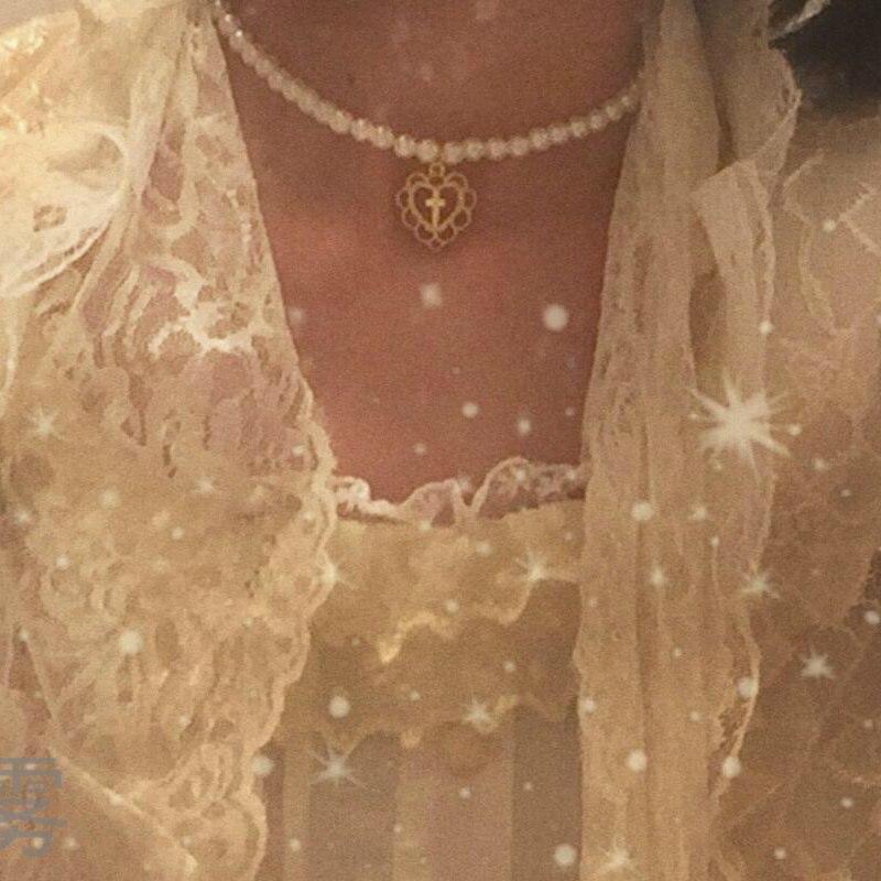 Collar Retro de la Cruz del amor hueco del Palacio de la muchacha collar de la perla gargantilla collar de cadena de la clavícula joyería para las cuentas de las mujeres