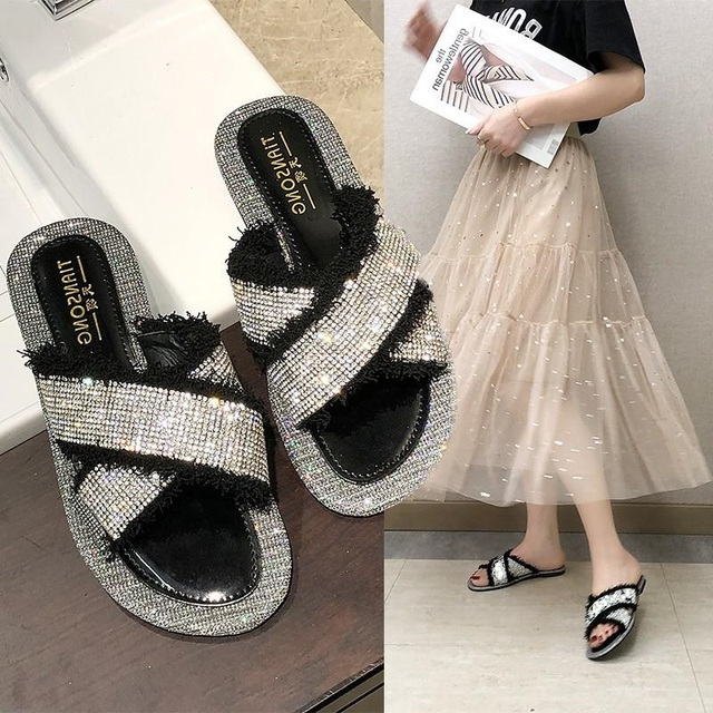 Beach slippers women wear 2019 summer new with rhinestones word drag students soft bottom fashion net red X-shaped cross sandals