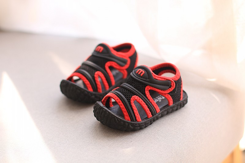 anos de idade do bebê meninos sandálias
