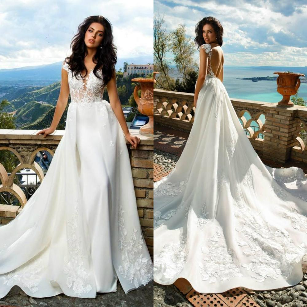 Amazing A Line Lace Overskirt Wedding Dresses Sheer Bateau Neck Backless Bridal Gowns Sweep Train Appliqued Tulle Plus Size