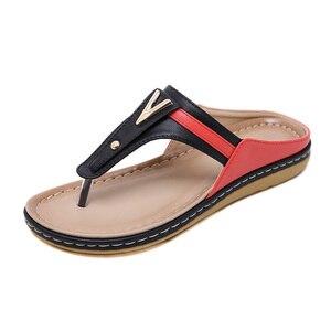 Image 1 - 2020 verão sapatos femininos flip flops senhoras sandálias de praia mais tamanho sandálias femininas plana flip flops moda marca luxo a912