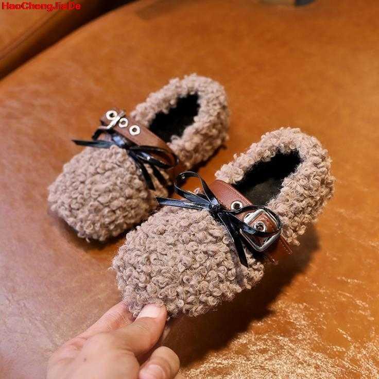 ฤดูหนาวเด็กขนสัตว์รองเท้าเด็กสาวอุ่นรองเท้าเด็ก PU หนังเจ้าหญิงรองเท้าเด็กวัยหัดเดินยี่ห้อสีดำ Loafer แฟชั่นรองเท้าแตะ