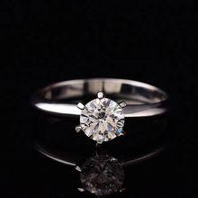 Женское кольцо из серебра 925 пробы с муассинатом и бриллиантом