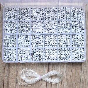 Image 1 - 1620 stücke Runde Acryl Brief Perlen Set für Kid Armbänder Halskette Herstellung Perlen Material Kunststoff Alphabet Perlen boxs