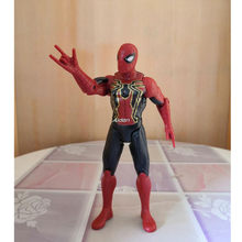 "6 ""The Avengers Superhero Spider-Man Peter Benjamin Parker Com Luz LED Resina Ação Collectible Modelo Toy OPP 16CM Z2693(China)"
