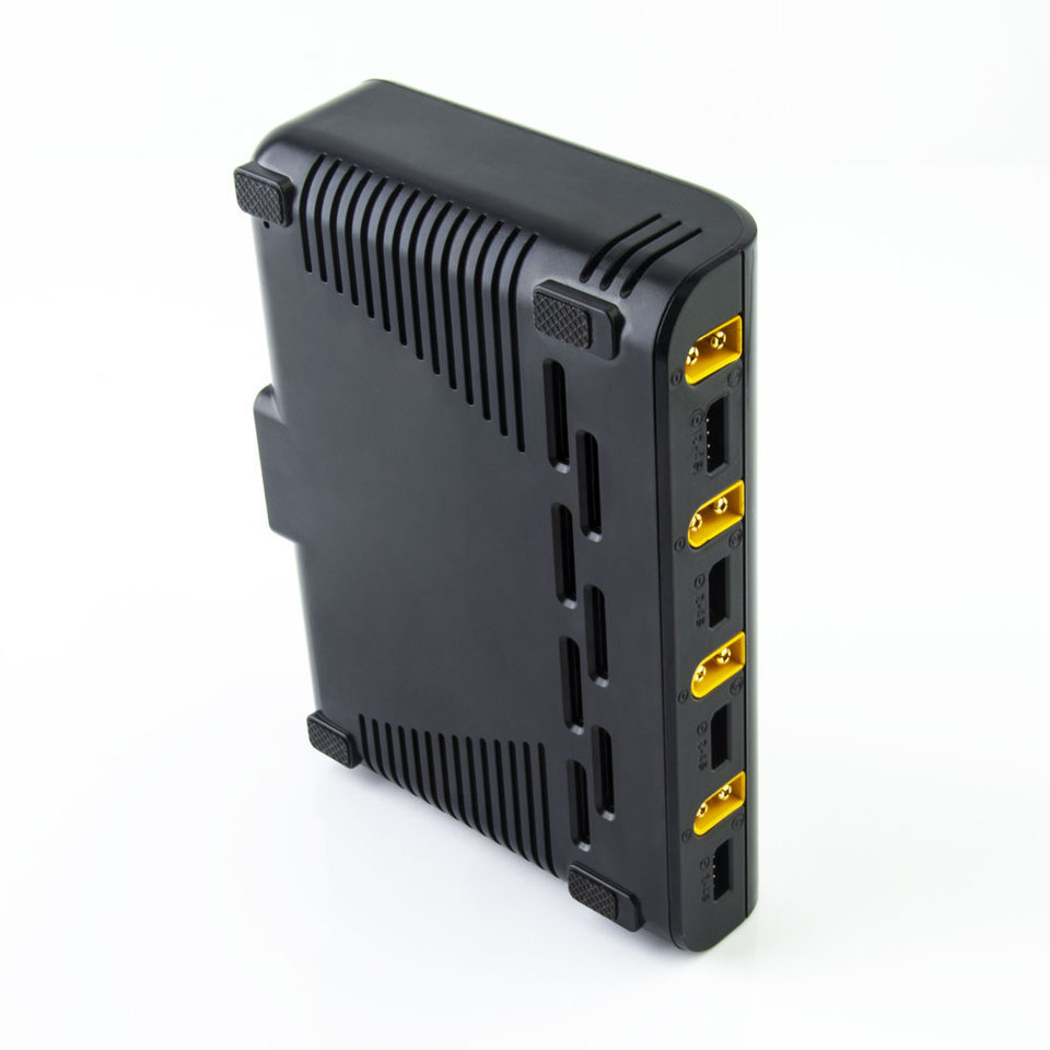 ToolkitRC M4Q Smart Charger 4x50W 5A AC 100W 4 Port DC XT60//XT30 IPS Display