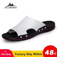 Ayakk.'ten Erkek Sandaletleri'de ALCUBIEREE erkek ayakkabısı katı düz banyo terlikleri yaz sandalet kapalı ve açık terlik rahat erkekler kaymaz Flip flop plaj ayakkabı