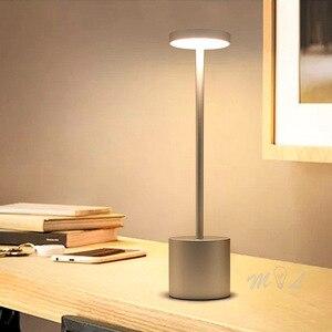 Wymagalne lampy stołowe do salonu czujnik dotykowy ochrona oczu Led obok lampy studium lampka do czytania prosta lampka do sypialni USB