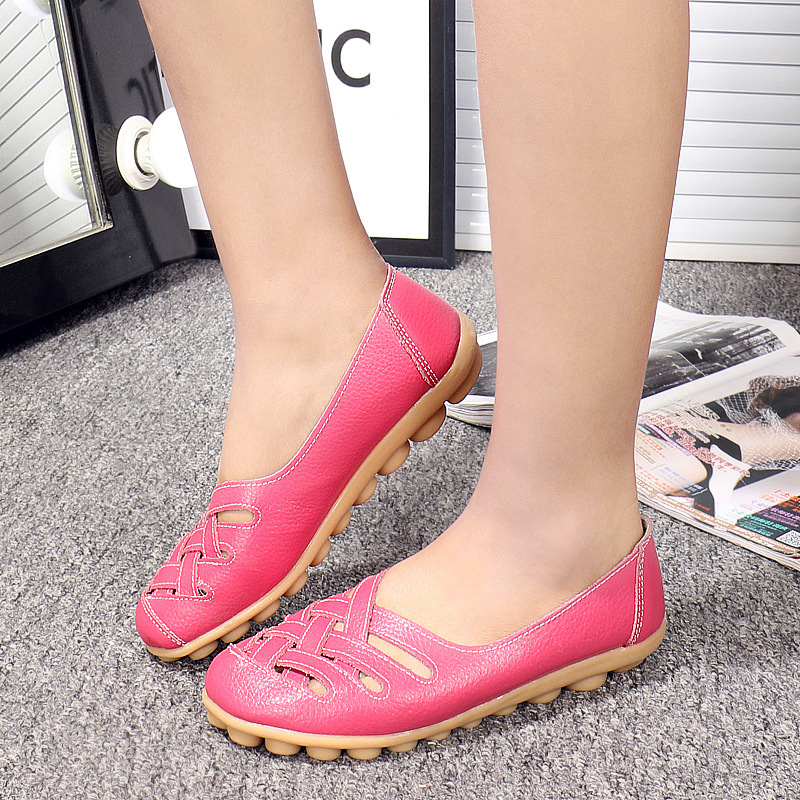 2020 Spring And Summer Casual Mom Shoes Middle-aged Shoes Hollow Out Women's Genuine Leather Flat Heel Flat Non-Slip Shoes