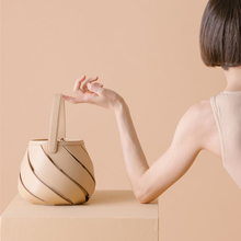 цена на Fashion Candy Color Hollow Out Bucker Bags For Women Vintage Leisure Messenger Bags For Ladies Designer Shoulder Bag 2019 New