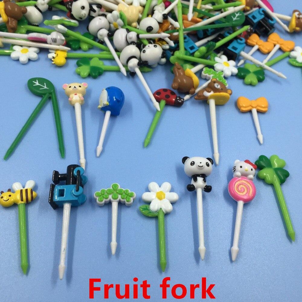 100pcs/LotCartoon Plastic Torune Small Fruit Forks Mini Set Bento Toothpick Animals Picks Kids At Western Restaurant Wholesale