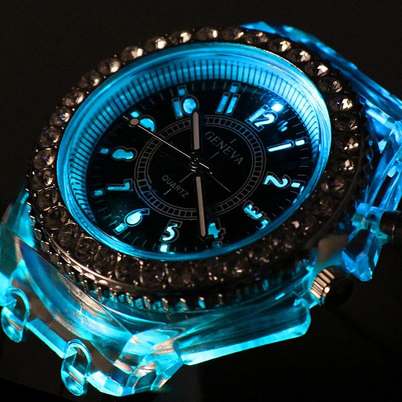 LED Reloj de silicona para señora de deporte de los hombres de moda al aire libre de las señoras Reloj Relogios Masculino luminosa relojes erkek kol saati Reloj Reloj de cuarzo deportivo de moda para hombre 2020 Relojes, Relojes de lujo para negocios a prueba de agua