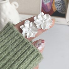 Three Dimensional Carved Earrings, Simple And Elegant, White Flower
