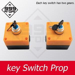 999prop interruptor chave sala de escape prop encontrar chaves e inseri-los à posição certa para abrir dispositivos da sala de câmara de bloqueio ímã