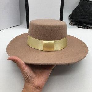 Image 4 - とキャメル帽子男性と女性のジョーカーフラット帽子手紙フラットつばフェルト帽子欧米のファッション帽子 Fedoras