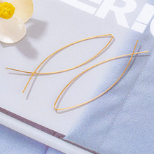 Osobowość niezwykle proste kolczyki złote kolczyki w kształcie ryby koreańskie modne kolczyki ręcznie robione kolczyki kreatywne estetyczne kolczyki tanie tanio blinla Ze stopu miedzi CN (pochodzenie) Hyperbole moda Drop Earrings kolczyki wiszące Nieregularne Metal Kobiety Personality earrings