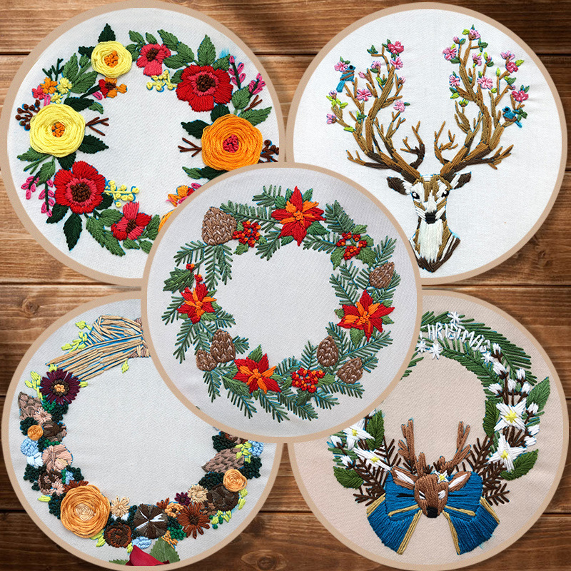 DIY Christmas wreath Pattern Embroidery Kit with Hoop Cross Stitch Sewing Art Craft Painting for Beginner Needlework Home Decor