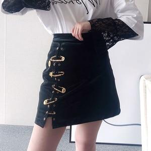 Image 2 - Deuxtwinstyle Patchwork broches asymétrique femmes jupes taille haute en cuir PU décontracté Mini jupe pour femme 2020 mode vêtements