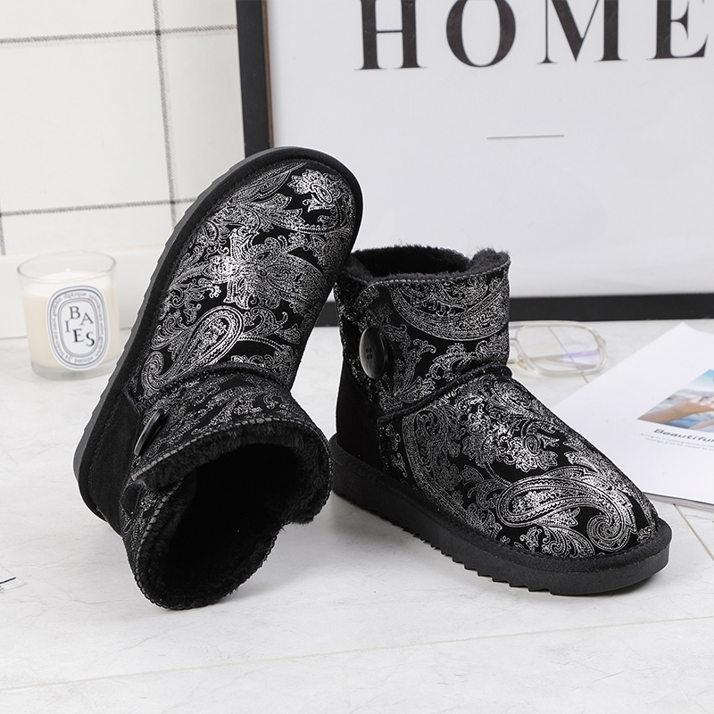 Genuínos Ankle Boots de Couro Botas de Neve Pele À Prova D' Água Botão 2019 De Pelúcia de Inverno Feminino Sapatos Quentes Snowboots Flats Big Size 48 Curto hot
