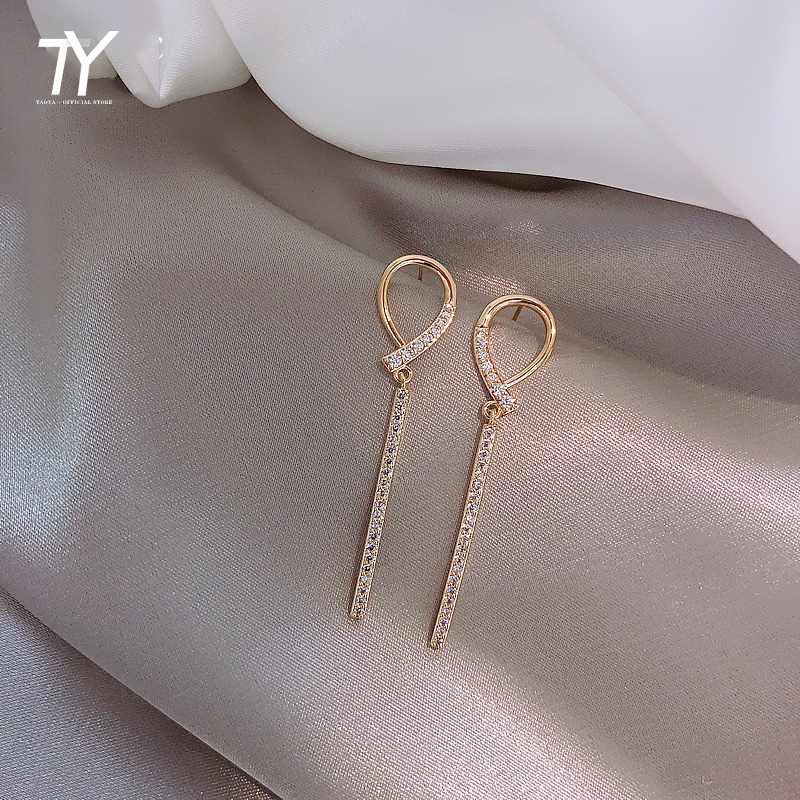 European And American Fashion Temperament Crystal Long Fringe Earrings Daily Life Earrings Female Party Focus Earrings