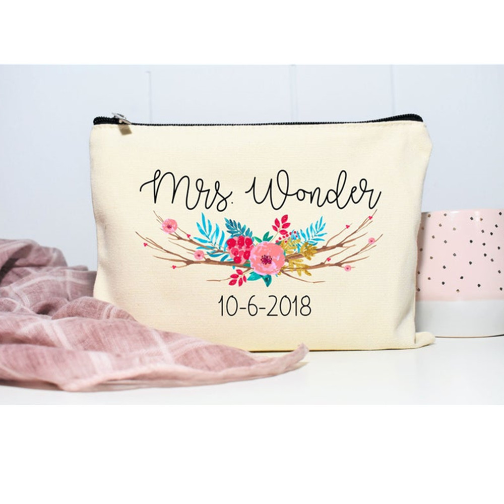 Maid of honor Makeup Bags Personalized flowers Cosmetic Bag bridal shower toiletry Bags Bridesmaid proposal Gifts Make up Case