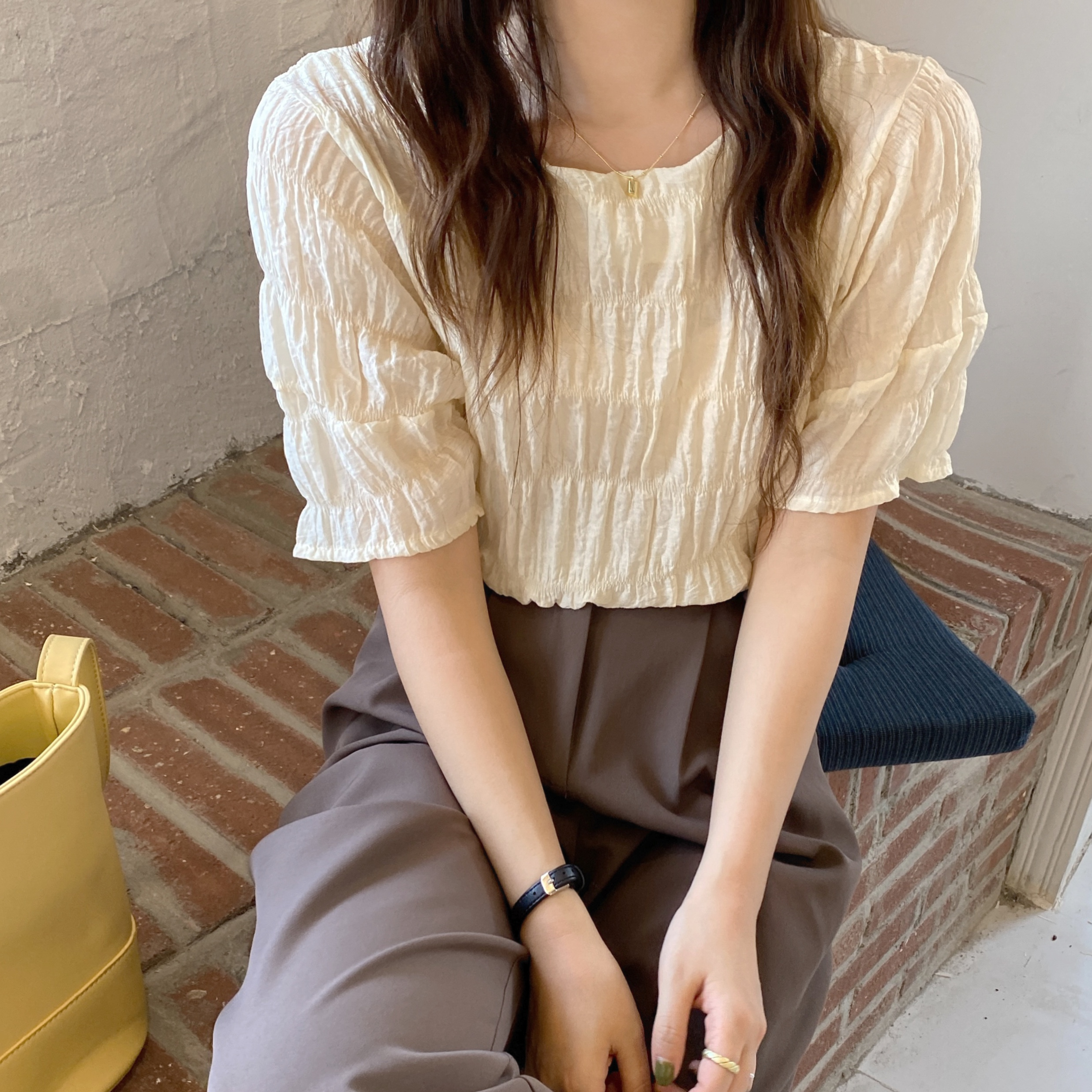 Hb904a33e163742a297da57d6272c7658h - Summer O-Neck Short Sleeves Minimalist Pleated Solid Blouse