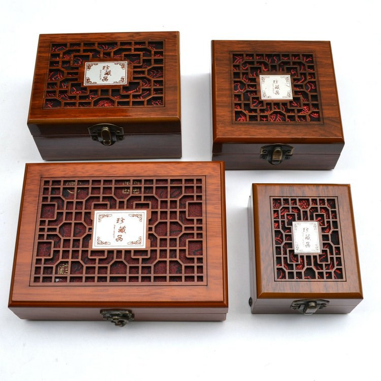 Wood Jade Jewellery Box Hollow Out Treasures Solid Wood Bracelet Pendant Ornament Gift Box