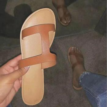 Sandalias de cuero Chanclas de playa para mujer 2020 nuevo plano con fondo suave antideslizante de goma de moda para actividades al aire libre wild college zapatillas de viento