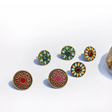 Tophanqi, антикварные бронзовые серьги-гвоздики для женщин, женские, 3 пар/лот, Boho, этнические, цветные, круглый цветок, резная серьга, ювелирное изделие, подарок