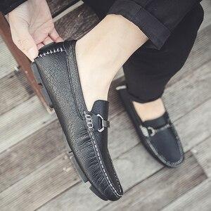 Image 4 - Zapatos informales para hombre, mocasines deslizantes a la moda transpirables, cómodos zapatos clásicos de lujo de talla grande 47, mocasines de marca, calzado para hombre